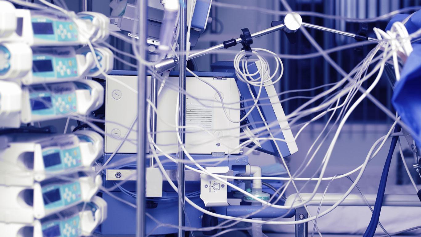 Tag 1: Die Mindestreserve der Krankenhäuser reicht für 24 Stunden