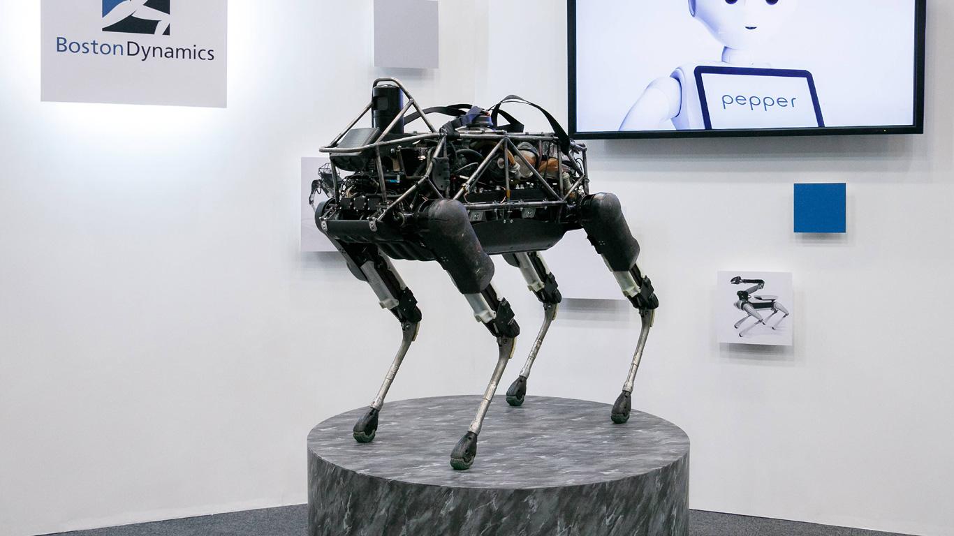 Roboter-Katze Cheetah und Alpha Dog