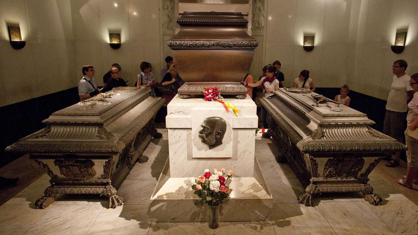 Mythos 13: Wurde Sisi kaltblütig ermordet?