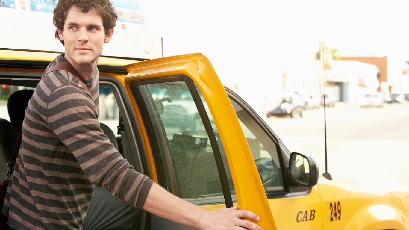 4. Darf der Taxifahrer einen Fahrgast während der Fahrt aussetzen?
