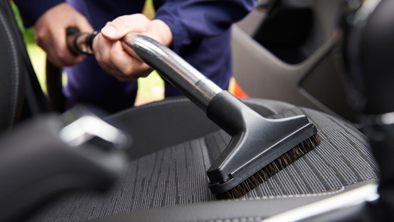 5. Wer zahlt die Reinigungskosten, falls sich der Fahrgast im Taxi übergibt?