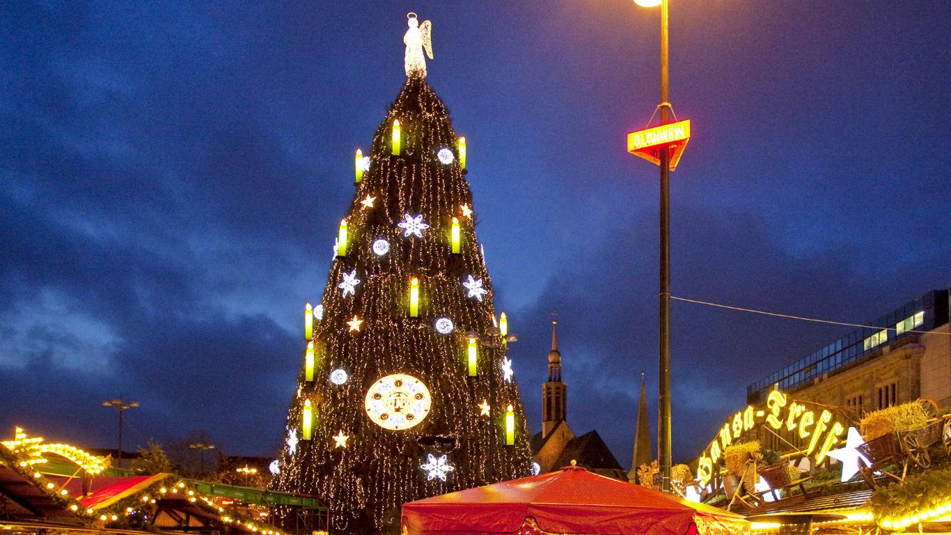 Der größte Weihnachtsbaum steht in Dortmund