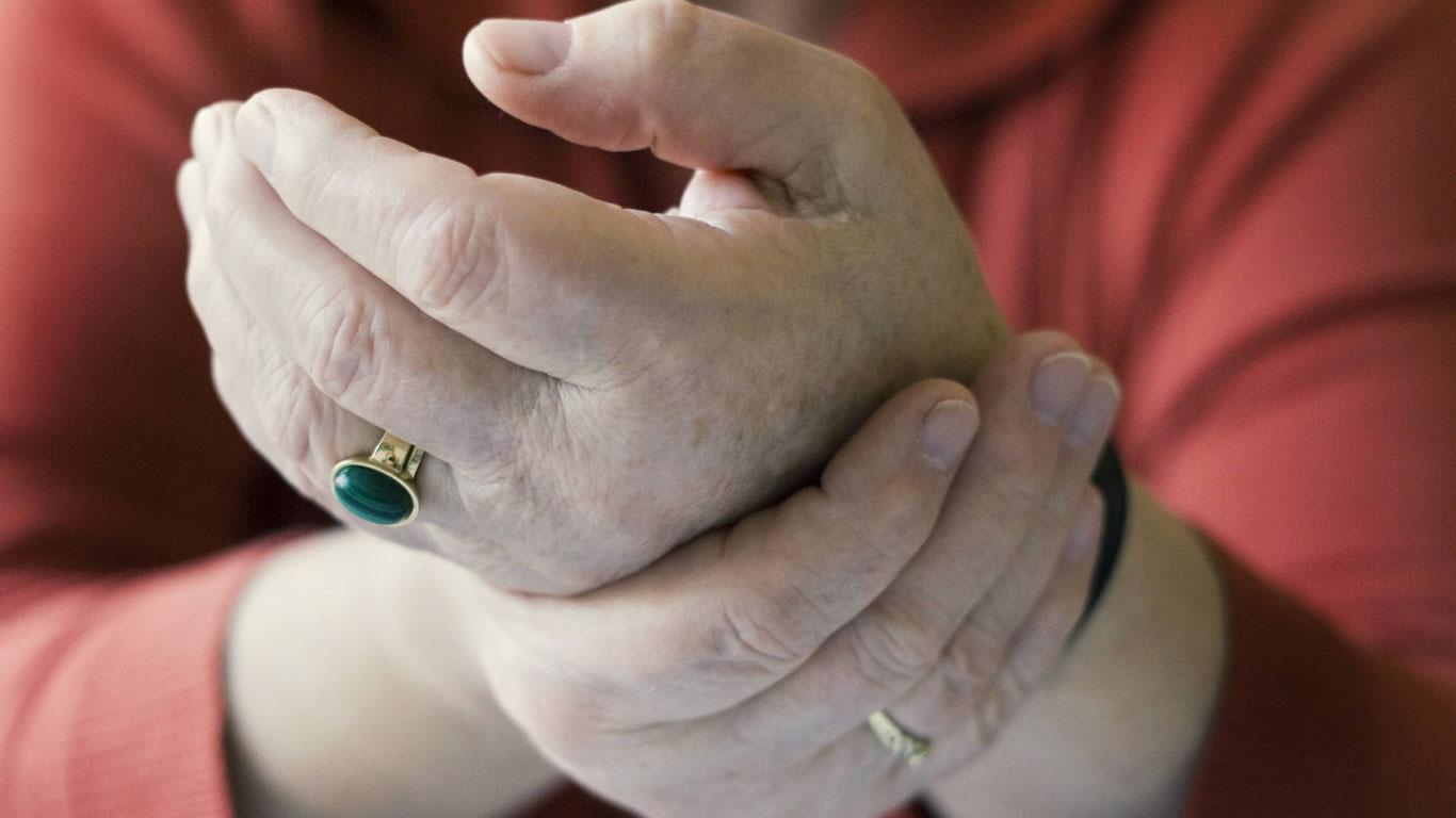 Wenn Arthrose die Gelenke unaufhaltsam zerstört