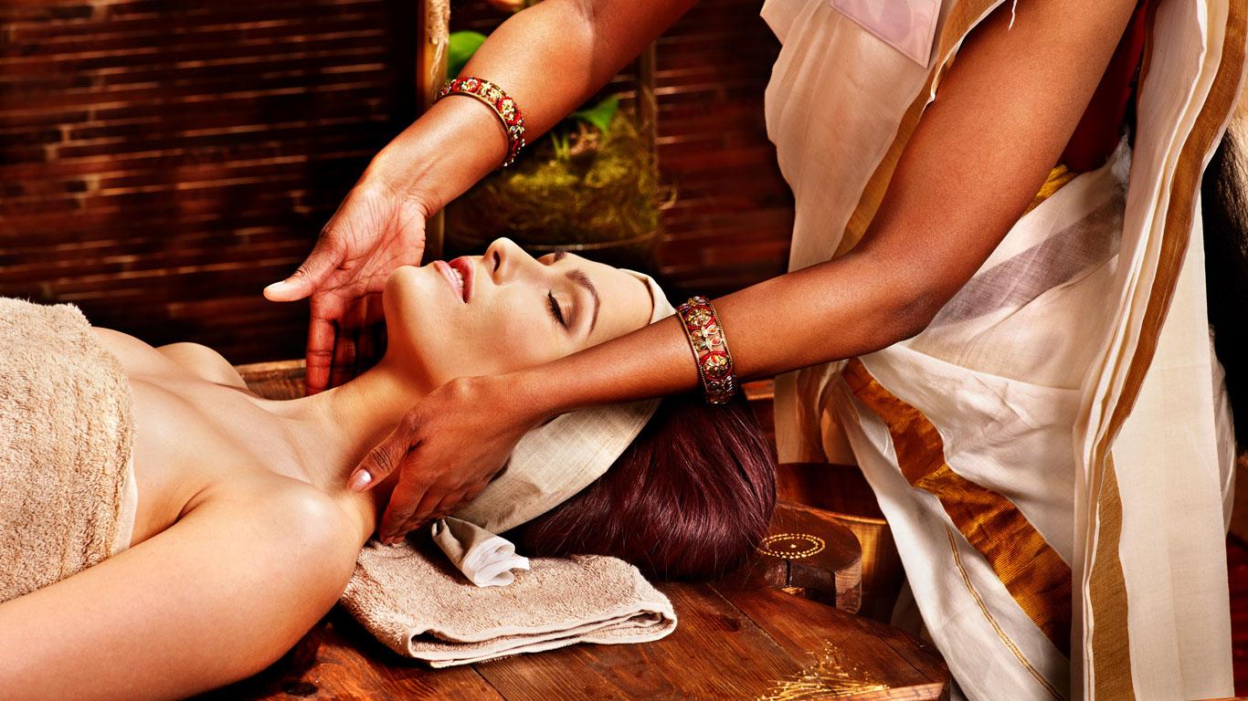 Natürliche Heilkraft aus Indien: Wie Ayurveda Krankheiten entgegenwirkt