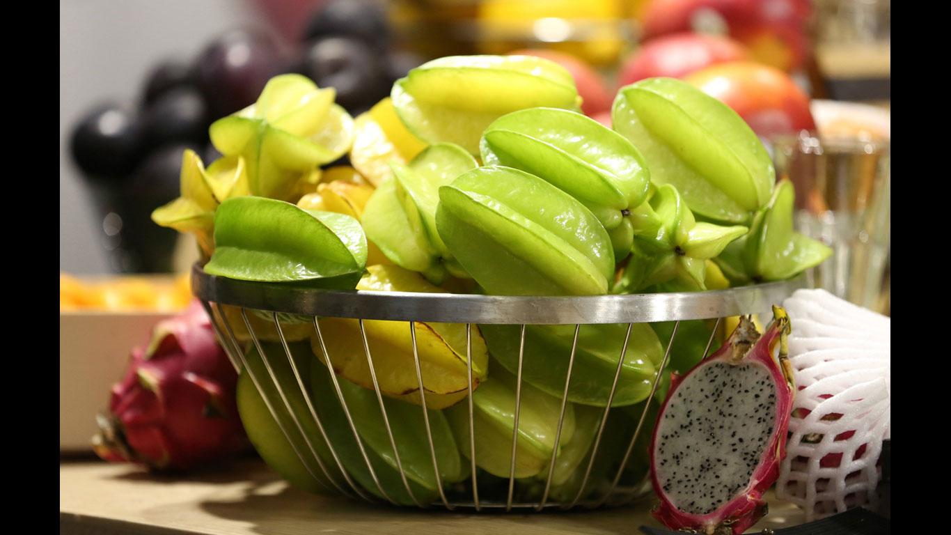 Sternfrucht, Ananas, Grapefruit, Pfirsich, Johannisbeeren, Papaya, Pflaume, Trauben