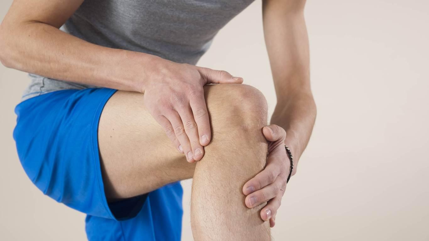 18. Der Arzt sagt: Bei Knieverschleiß hilft eine Arthroskopie