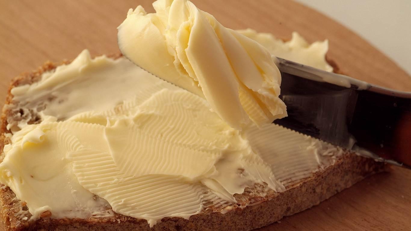10. Der Arzt sagt: Für das Herz ist Margarine besser als Butter
