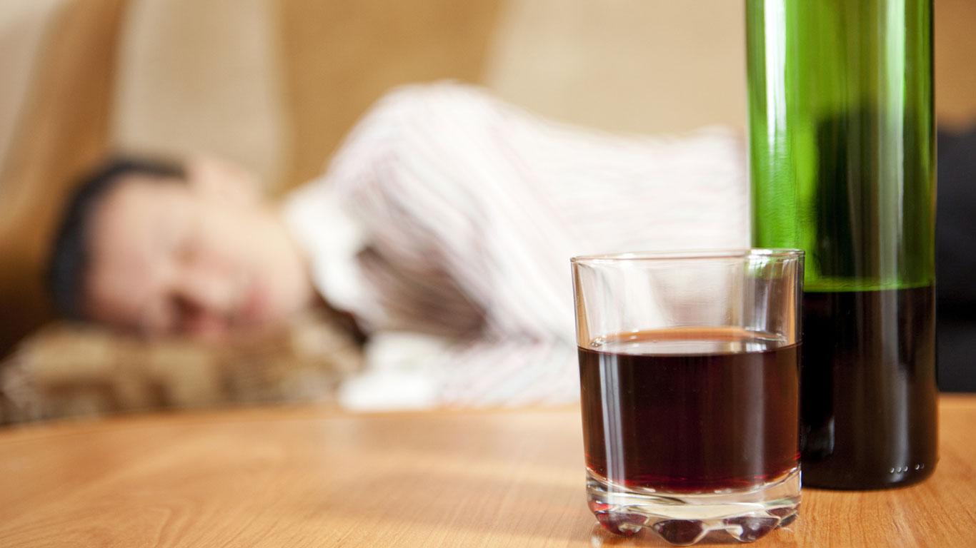 Ein Glas Rotwein fördert den Schlaf