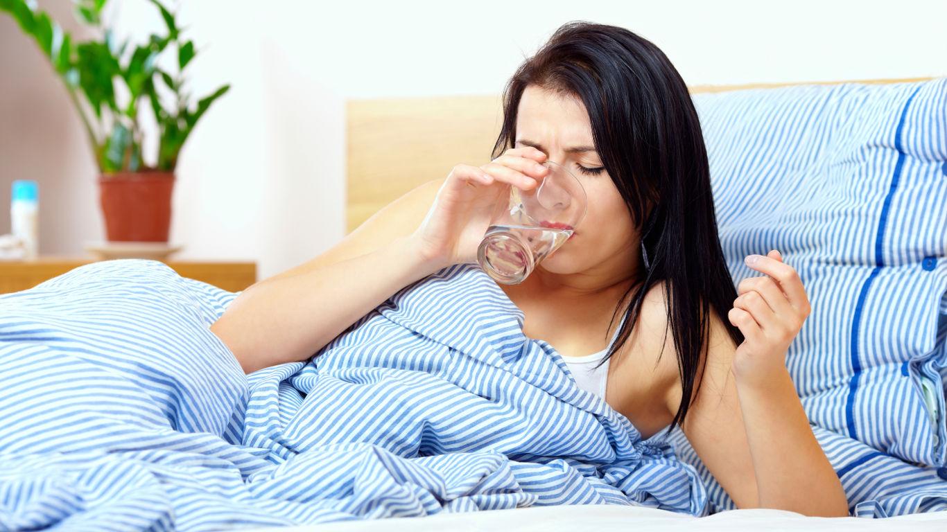 Tipp 7: Wasser trinken vor dem Frühstück