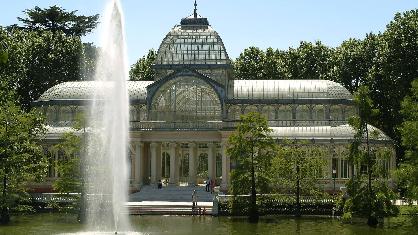 Madrid: Heiratsantrag am Glaspalast