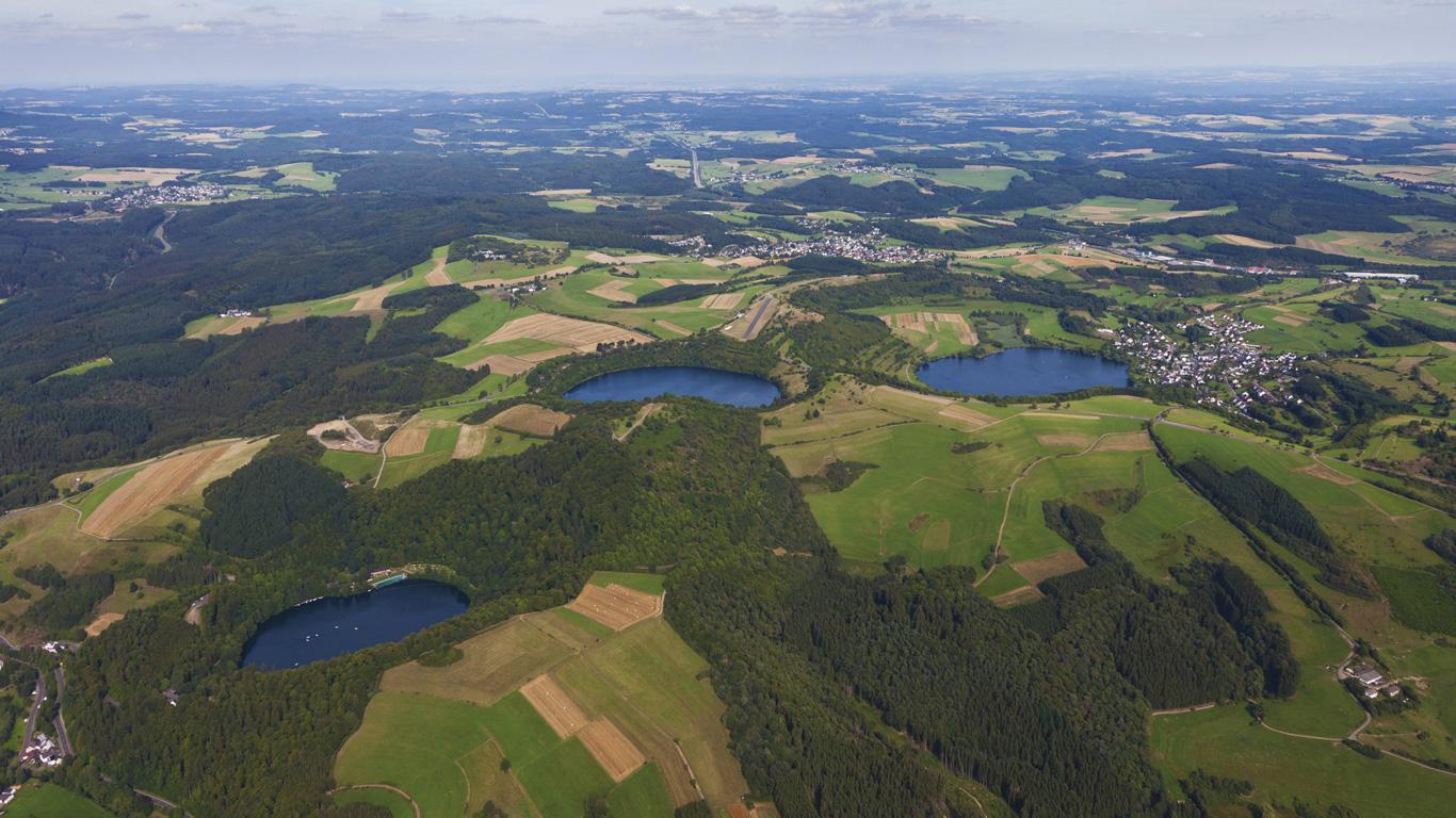 Weinfelder Maar: Wo die Berge Augen haben (Vulkaneifel, Rheinland-Pfalz)